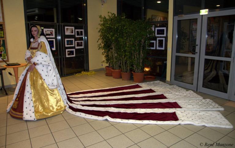 Anne Bretagne en robe d'apparat