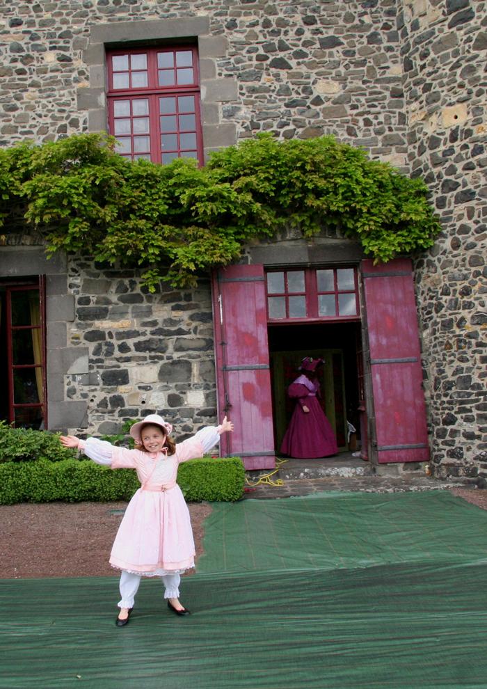 Petite fille modèle et George Sand